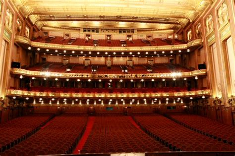 civic opera house top 15 fun things to do in chicago
