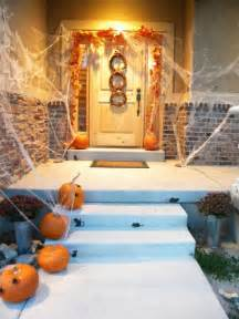 Halloween Front Porch Decorations 31 Ideas Halloween Decorations Door For Warm Welcome