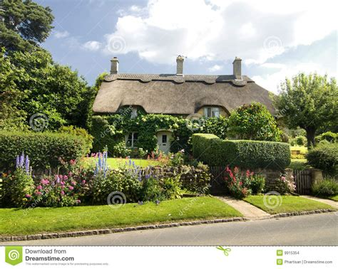 Small Cottages House Plans quaint countryside cottage in england stock photo image