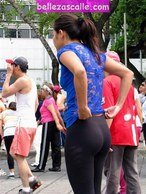 imagenes mujeres agarrar calle fotos de chicas guapas en la calle mujeres hermosas en