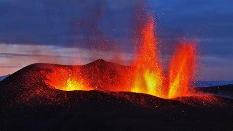volcano eruption hd wallpaper wallpaper studio  tens