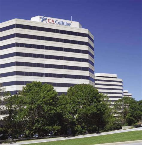 Us Cellular Corporate Office u s cellular expanding hq near o hare news crain s