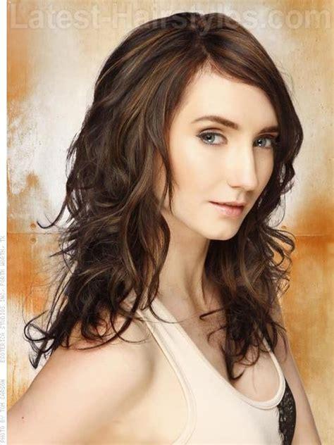 medium length brunette hairstyles pinterest playful primp fun wavy medium length brunette style