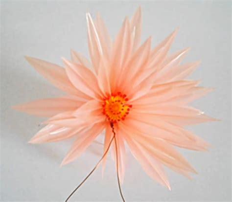 membuat kerajinan bunga dari sedotan cara membuat kerajinan tangan dari sedotan sarungpreneur