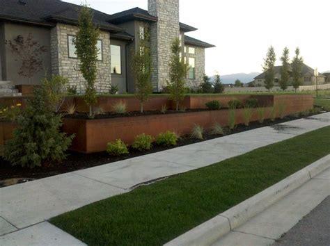 Natural Rust Finish Steel Planter And Retaining Modern Garden Wall