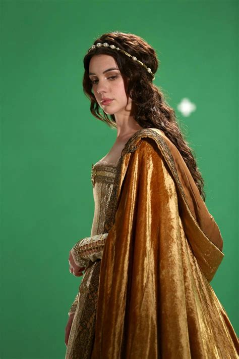 reign show hairstyles adelaide kane at the cw reign photoshoot reign