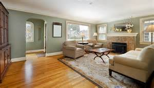Bedroom Color Schemes With Hardwood Floors The Hardwood Floors And The Wall Color Benjamin