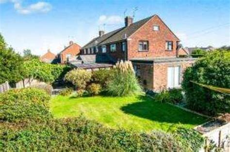 3 bedroom houses for sale in chelmsford 3 bedroom semi detached house for sale in pyms road galleywood chelmsford cm2