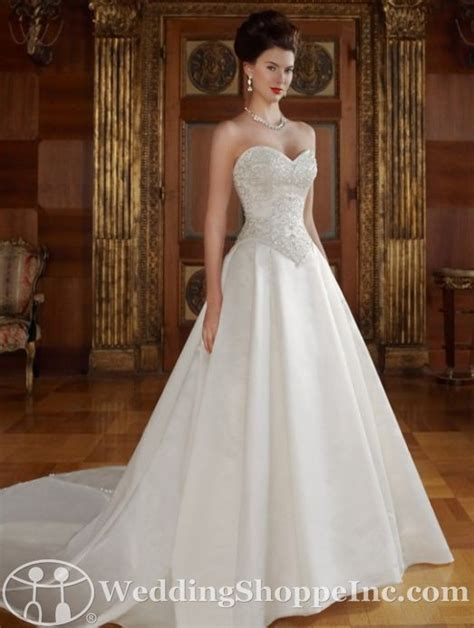Basque Wedding Dress by Basque Waistline