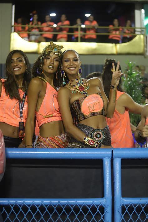 lais ribeiro  lays silva celebrating rios carnival
