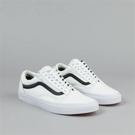Sepatu Vans Skool Black White Premium Sneakers vans skool zip shoes premium leather true white flatspot