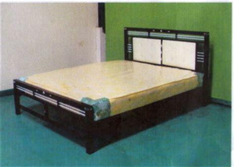 Ranjang Minimalis Besi ranjang besi minimalis atlantis rp950 000 mahkota kreasi furniture distributor perabotan