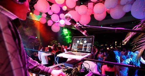 "Friday Roundup: ""How I Accidentally Became A Wedding DJ"""