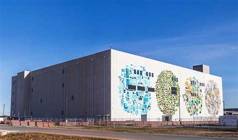 Wall Mural Artists scaling up google building four story data centers