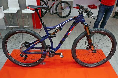 Oli Gear Pertaminaoli Gear Enduro 120 Mm eb16 rotwild debuts r c1 fs r e1 fs alloy xc enduro rides bikerumor
