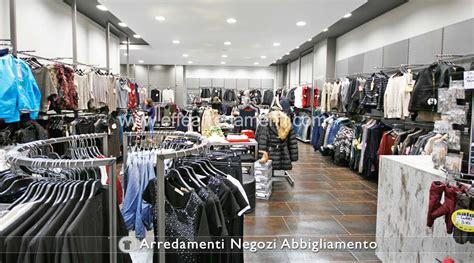 arredare negozi arredamento negozi abbigliamento effe arredamenti
