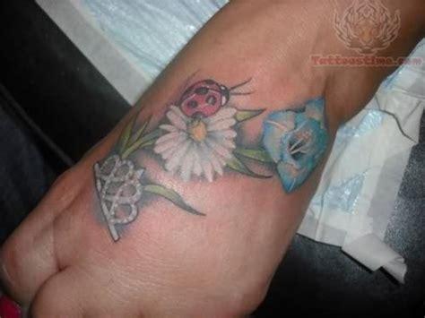 ladybug tattoo designs foot flowers ladybug on foot