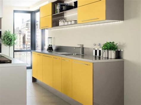 cuisine proven軋le jaune les 17 meilleures id 233 es de la cat 233 gorie cuisine hygena sur