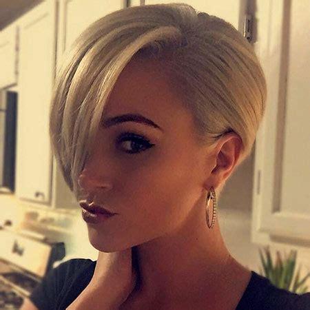 short straight blonde hairstyles