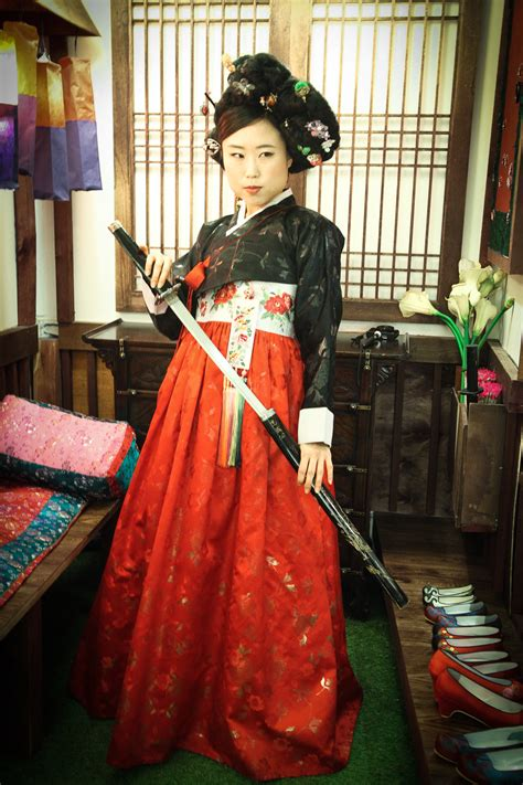 Hanbok Royal 1 hanbok photoshoot at goguan studio in seoul sweetandtastytv