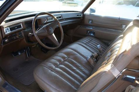 sell   cadillac deville coupe leather seats    ship world wide  marlboro