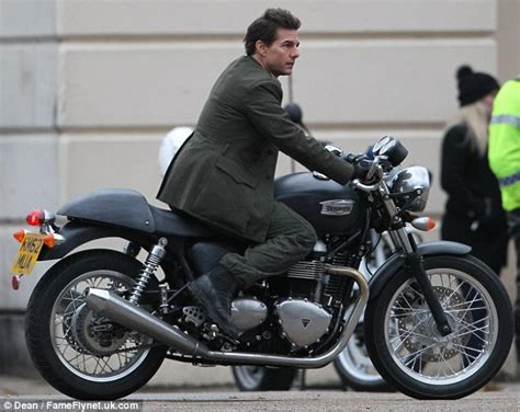 Aufnäher Top Gun Set by Tom Cruise Embraces Life In The Fast Lane As He Rides A