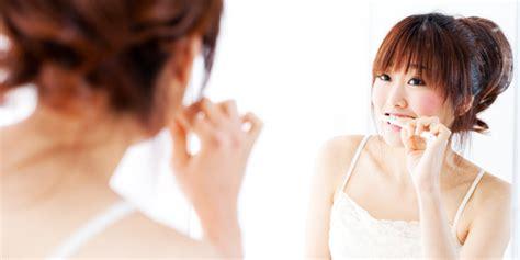 Benang Pembersih Gigi membersihkan kotoran hingga ke sela gigijatinangor