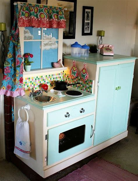 easy peasy pie play kitchen so cute wish i had the