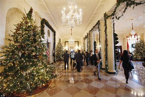 when do christmas decorations go up in washington dc white house decorating ideas