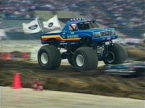 bigfoot 8 monster truck bigfoot 4 monster truck www imgkid com the image kid