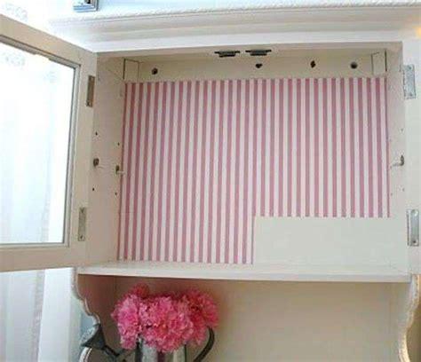 carta da parati su armadio decorare un armadio con la carta da parati foto design mag