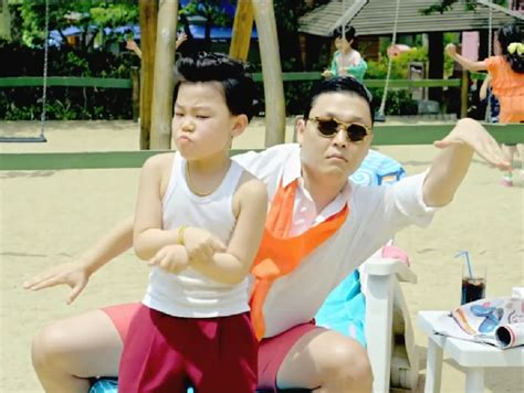 psy hits his next view count milestones for daddy and psy s gangnam style hits 2 billion views idolator
