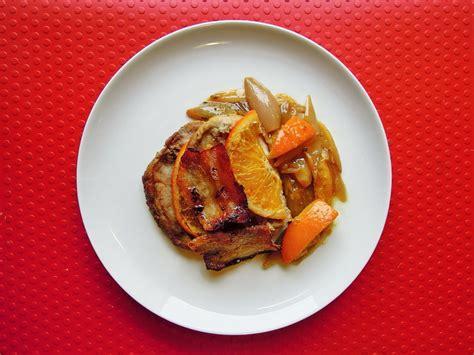 come cucinare la pancetta di maiale lonza di maiale arrosto con arancia pancetta e scalogno
