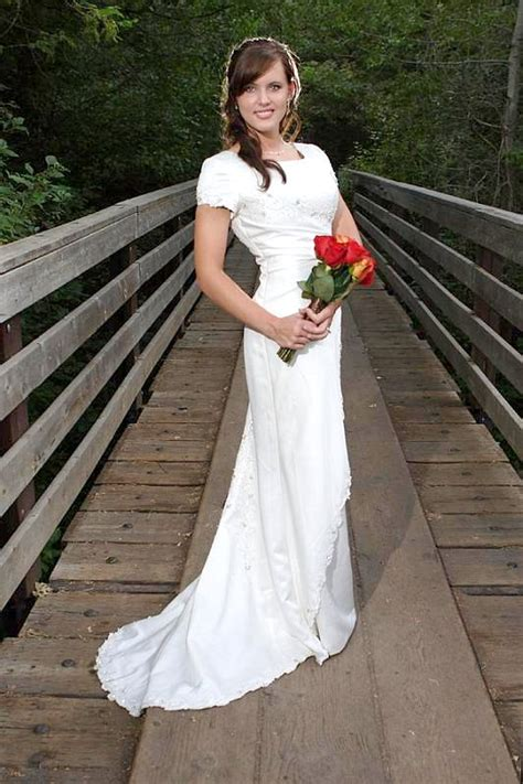 design dream wedding dress create your dream wedding dress with these one of kind