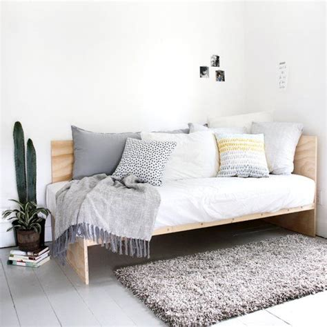 daybed bedroom ideas best 25 daybed bedding ideas on pinterest daybed couch