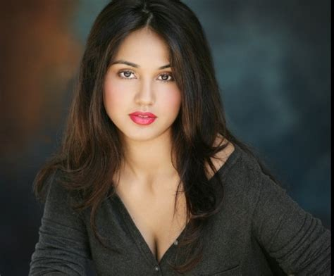 most beautiful actresses world mobile price in pakistan and education update news world