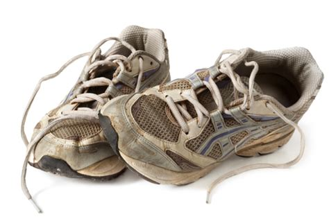 when are running shoes worn out living out loud is it time to replace your running shoes