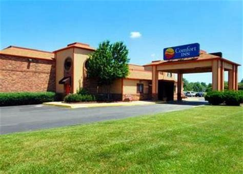 comfort inn toledo comfort inn north toledo toledo deals see hotel photos