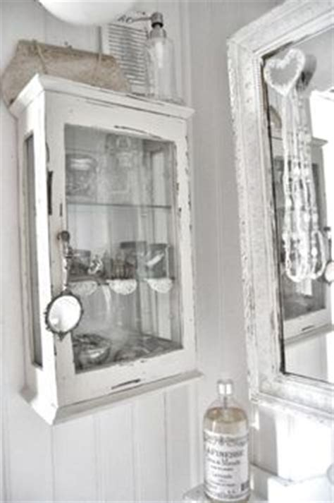 shabby chic medicine cabinet 1000 images about vintage chic vintage wallpaper