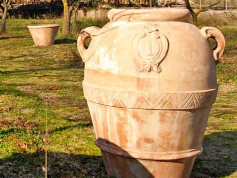grandi vasi in terracotta terracotta vasi e orci