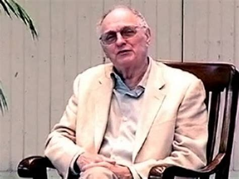 alan alda death m a s h s alan alda recalls brush with death in chile