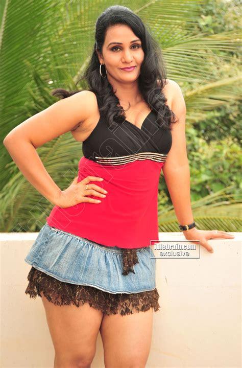 telugu cinema heroine love photos apoorva photo gallery telugu cinema actress indian