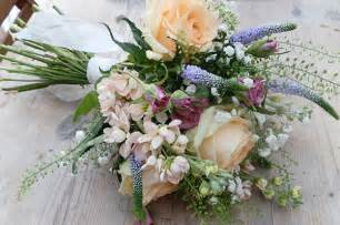 rustic wedding bouquets flowers profesional florist in bristol wedding flowers delivery throughout bristol
