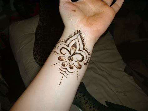 is henna temporary tattoos safe beautiful henna designs for your wrist