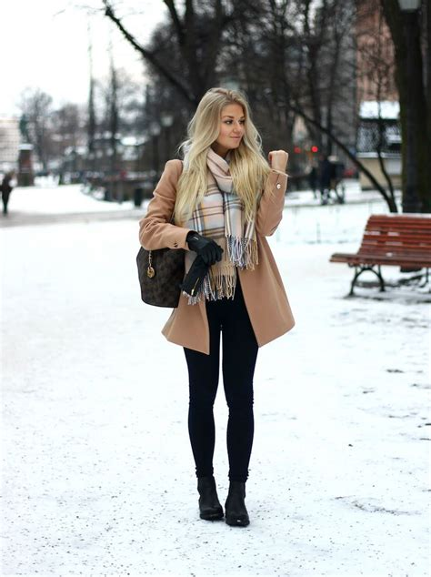 hot winter fashion for women best 25 snow fashion ideas on pinterest winter snow