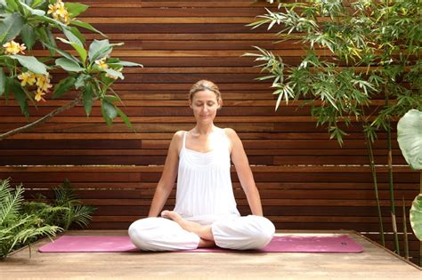 Kundalini Detox And Destress by Detox And De Stress With Kundalini Mindfood