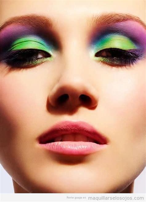 imagenes de ojos pintados con sombras arcoiris archivos maquillarse los ojos