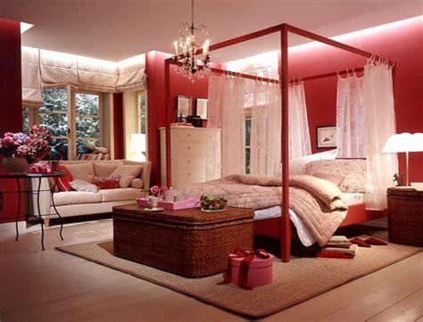 schlafzimmer einrichten rotes bett einrichten mit farben rote farbe energie und