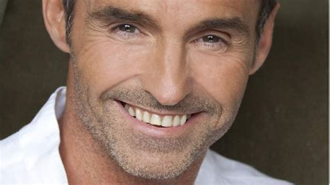 Wed Wed Wed by Marti Pellow New Songs Playlists News