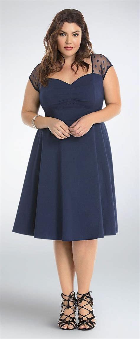 fashionable dresses for plus sized
